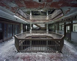 Yves Marchand, Romain Meffre, Atrium, Farwell Building, série The Ruins of Detroit, 2005-2010